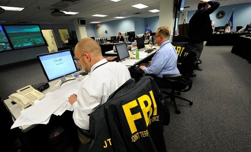 FBI warns that cybercriminals are looking for money laundering partners through dating sites